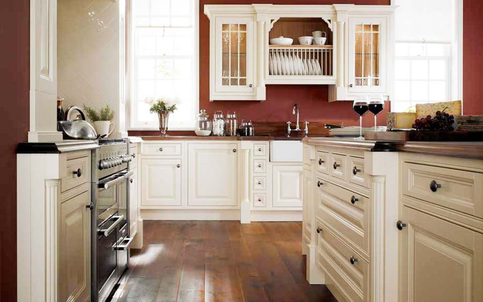 British traditional kitchens wolverhampton for Fitted kitchens